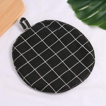Plaid Round Pot Mat (Black)