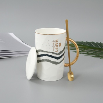 Simple Style Ceramic Mug with Golden Handle and Gilded Steel Spoon (Style A)
