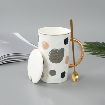 Simple Style Ceramic Mug with Golden Handle and Gilded Steel Spoon (Style B)