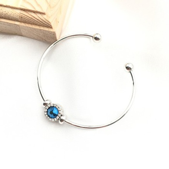 [XVFAJ00378] Blue Charm Silver Open Bangle Bracelet